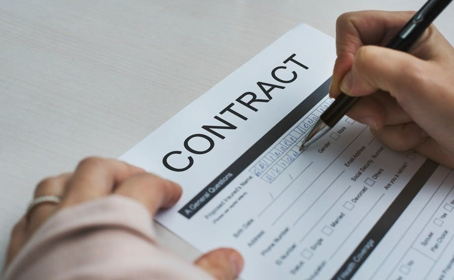 commitment contract